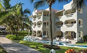Beachfront Jr Suite edr_villa-51.webp