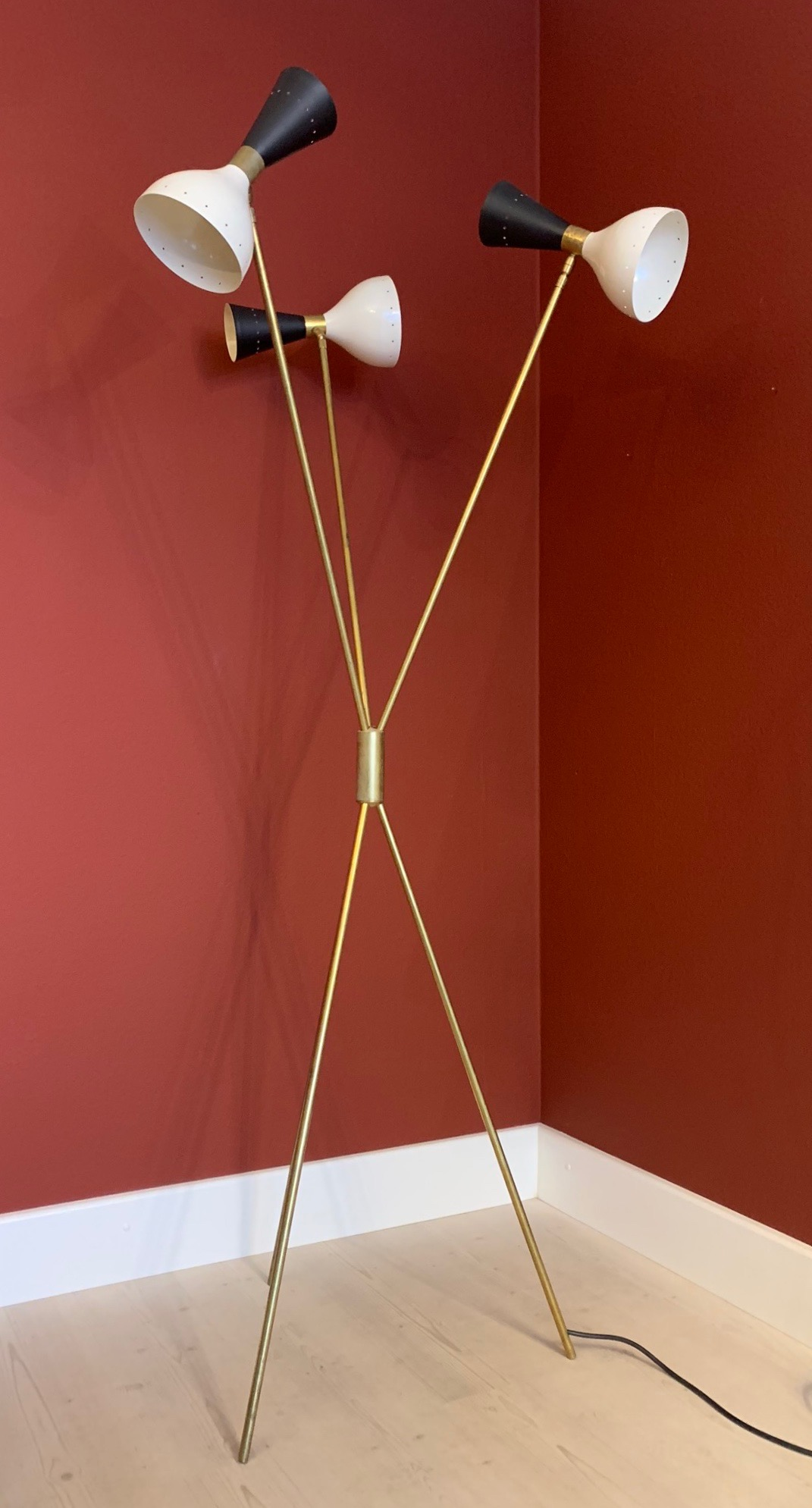 Diabolo Floor Lamp