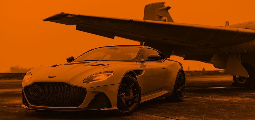 a-car-parked-beside-airplane-3647693.jpg