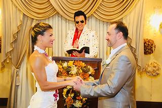 Julie Debatty, Frank Peterkenne, mariage Las Vegas