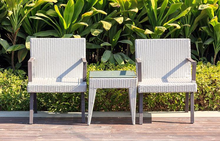 на открытом воздухе мебель стулья