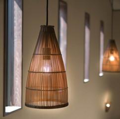 アジアン調の吊り照明