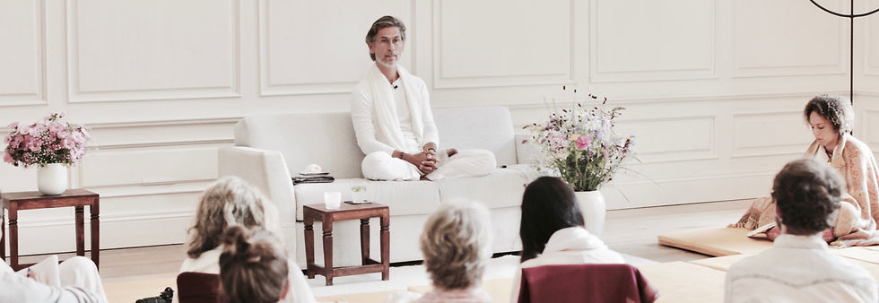 Spiritual teacher of advaita vedanta, enlightenment.