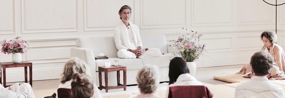 Spiritual teacher of advaita vedanta, enlightenment.