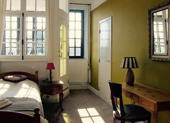 Belgium Immersion: Single Room, Shared Bathroom