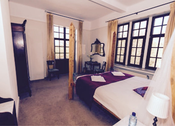 Belgium Immersion: Couple's Room for TWO, Shared Bathroom