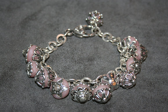 bracelet breloques rose pale