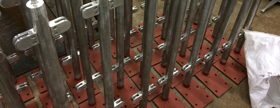 We can supply Stainless balustrades and posts / legs for all sorts of applications, wether you need some glass infilled rails for your home or office, or a barrier system for outdoors. We can offer all of our Stainless Steel products in 304, 314, and 316 grades, and can also offer finishing and polishing services including mirror polishing on our products.