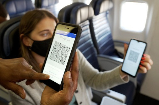 United Becomes First Airline to Offer PayPal QR Codes as Onboard Payment Option