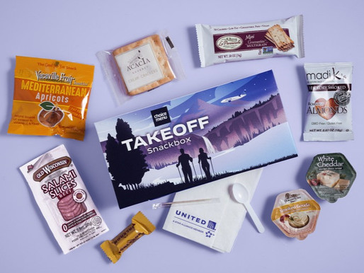 United Airlines Expands Beer, Wine and Snacks on Most Flights Over Two Hours