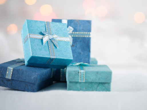 American Airlines Spreads the Holiday Cheer With Gifts for AAdvantage Members