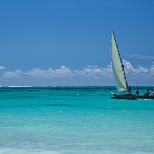 Sailing away_1024.jpg