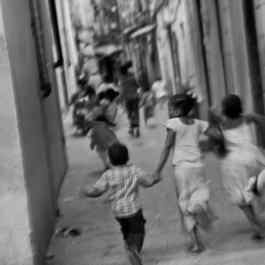 Run Baby Run he's shooting us_1024.jpg
