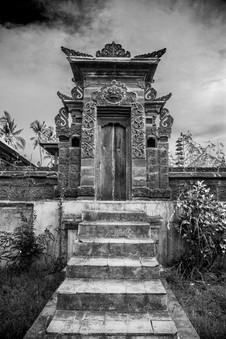 Bali temple entrance.jpg