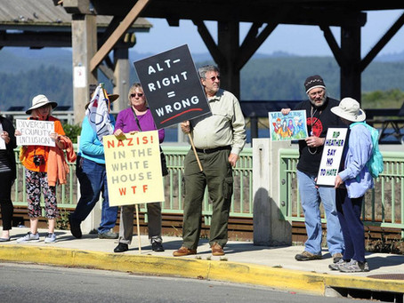 Coos Bay Socialists Join Vigil Against the Racist Right and Terrorism in Charlottesville, VA