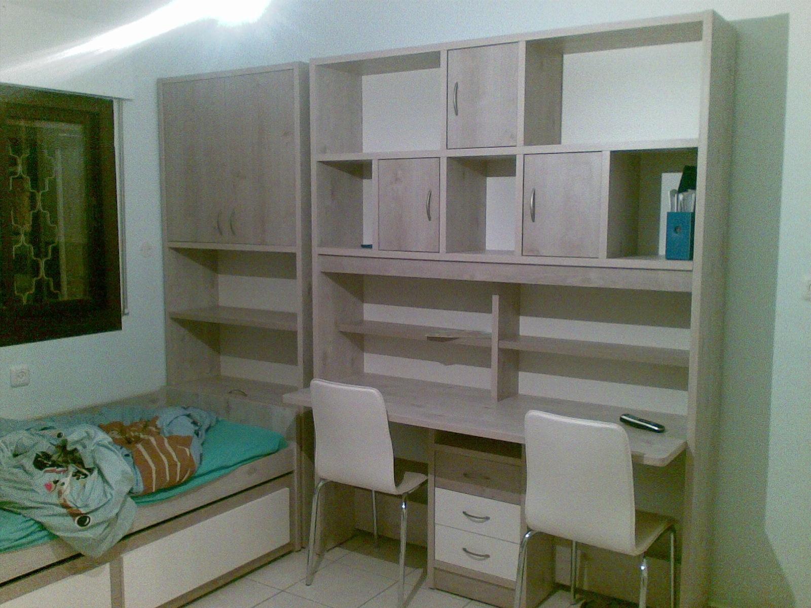 שולחן-ספרייה ומיטה.jpg
