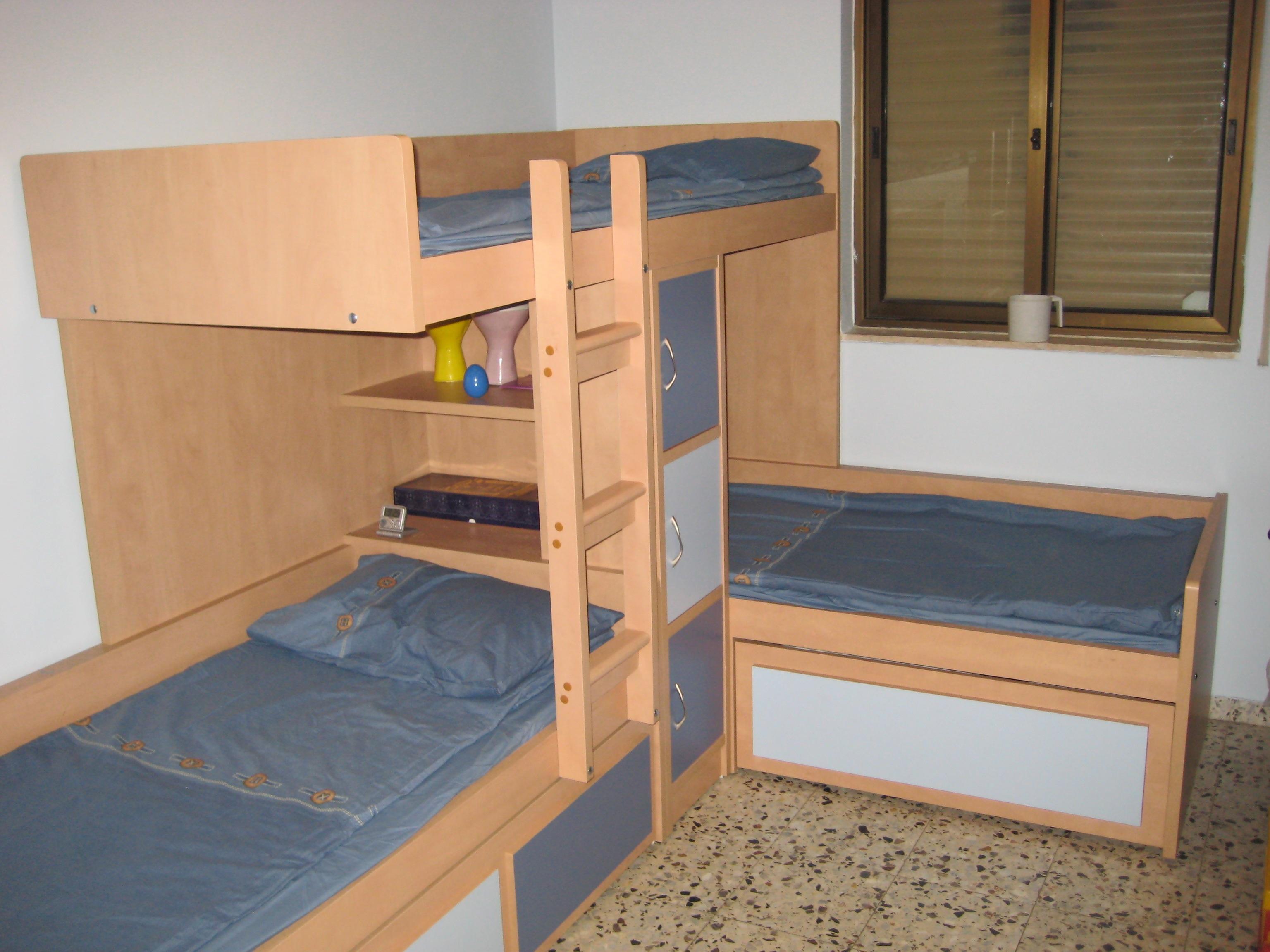 מיטת רכבת 4 מקומות שינה.jpg