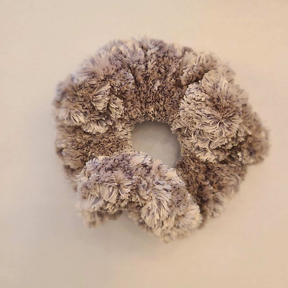 Crocheted scrunchie - taupe