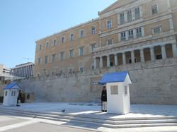 Piazza Sintagma, Il parlamento