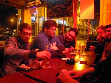 Dans un bar à coté de l'hotel