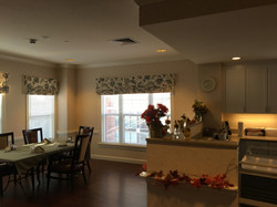 SUNR of Rockville-Dining & Kitchen