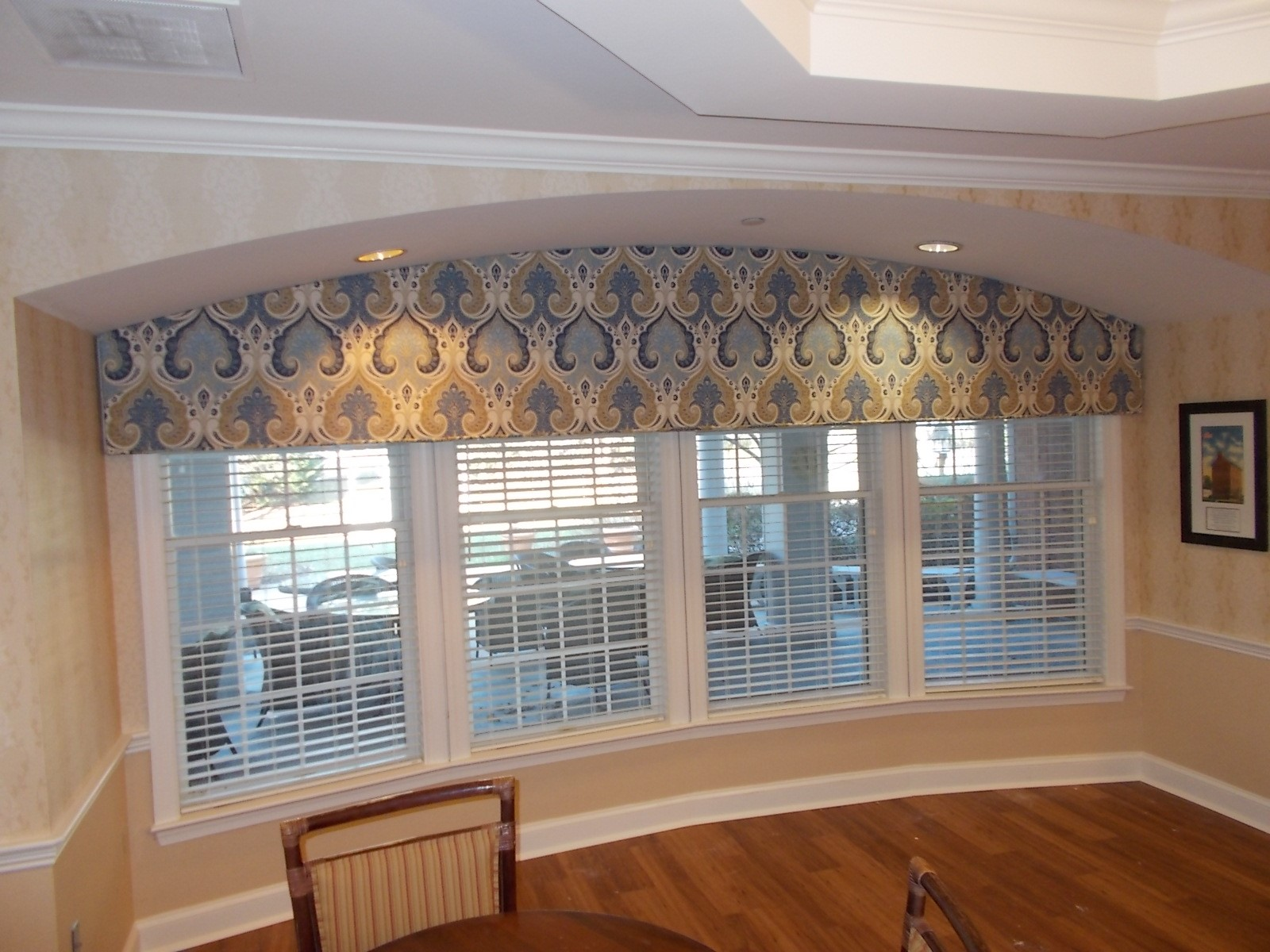 Arched Cornice