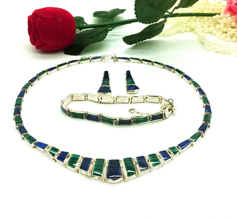 Set Malachite and lapislazuli £190