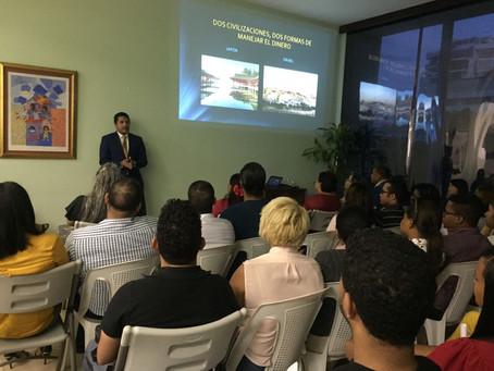 Confisa celebra taller sobre educación financiera para sus clientes