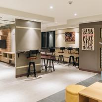 Bar & Gameroom