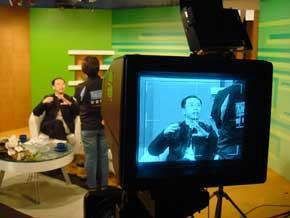 第一次接受創世電視訪問,但已忘記是什麼節目了!