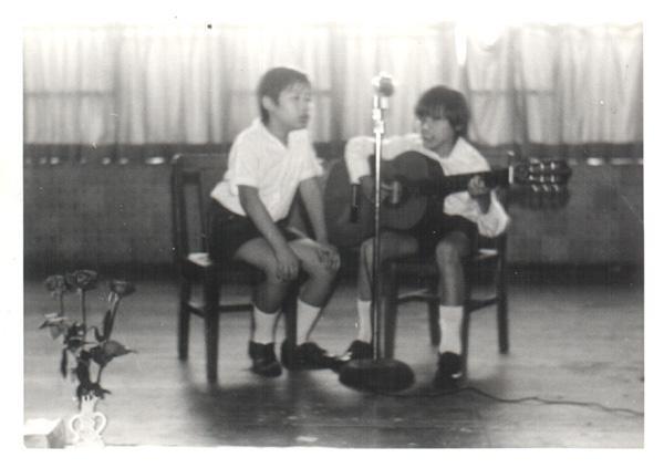 我第一個歌唱獎項:以一曲Donna Donna在校際歌唱比賽取得冠軍