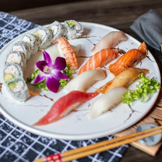 Niu Sushi Set