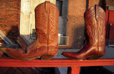 cowboy boots with pointed toe that feel great on your feet