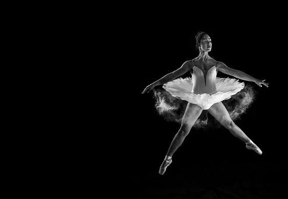 רקדנית בלט קלאסי פוינט