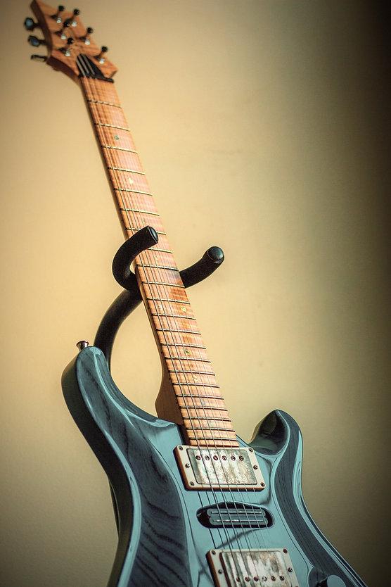 Electric Guitar_edited_edited.jpg
