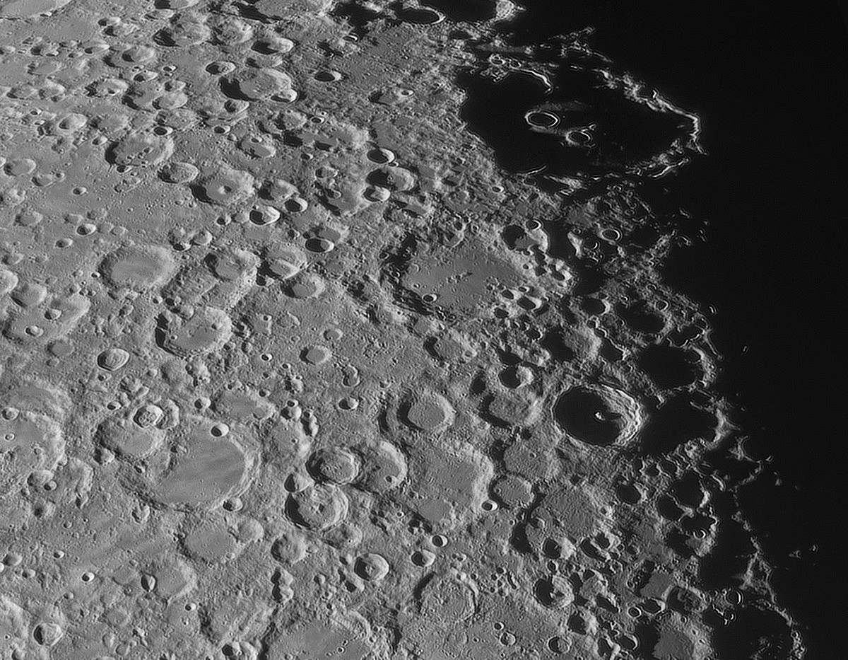 Moon_170HD_Kusano_290MM.jpg