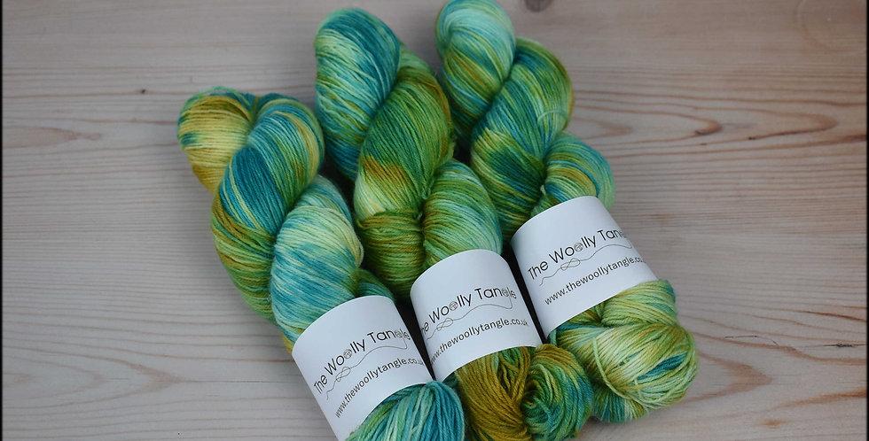 Summer cove - 4 ply british sock yarn