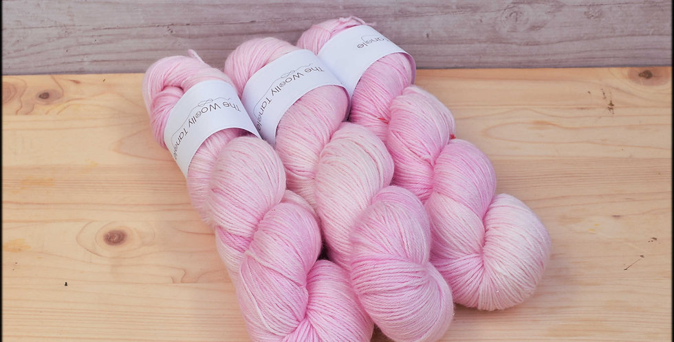 Mallow - 4ply merino bamboo yarn
