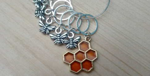 Knitting stitch markers - honeybees