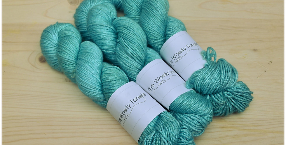 Summer seas - DK merino silk yarn