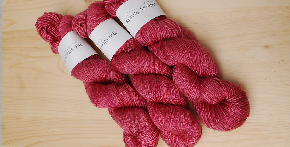 Very berry solid - DK merino silk yarn