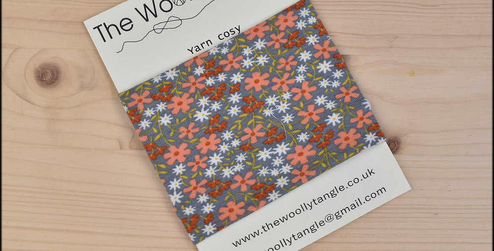 Yarn cosy - grey peachy floral