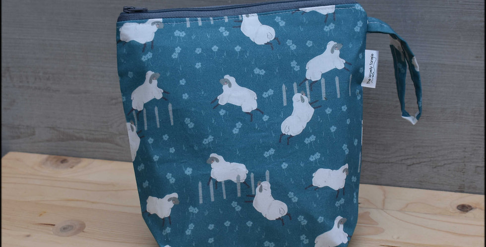 Sock project bag - sheep