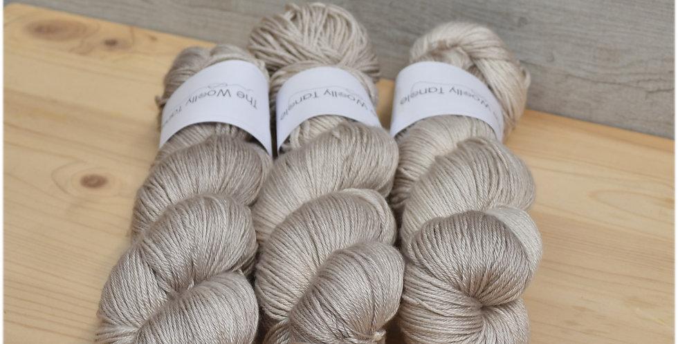 Mellow mushroom - 4 ply merino silk yarn