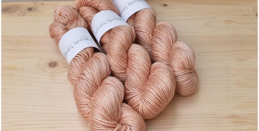Old rose - DK merino silk yarn