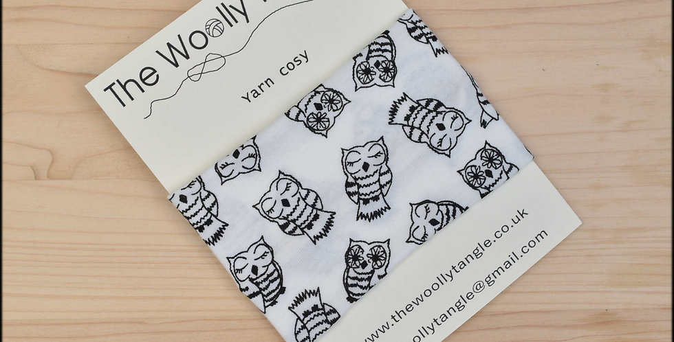Yarn cosy - sleepy owls