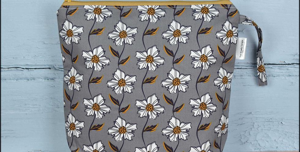 Medium project bag - daisies
