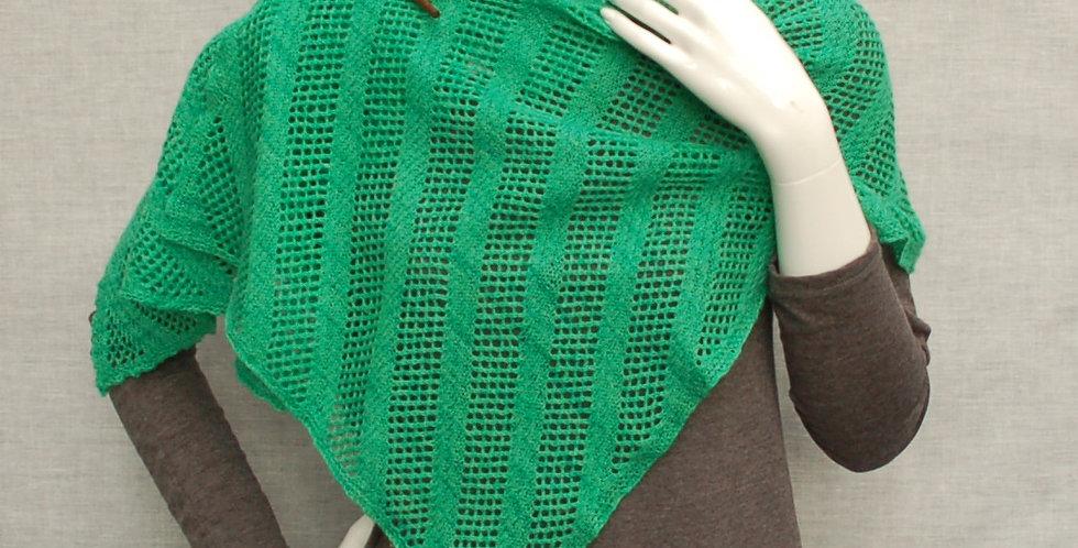 Bett shawl in laceweight/2ply yarn
