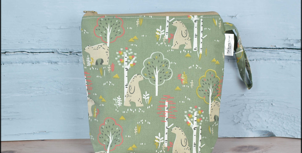 Sock project bag - bear in the woods