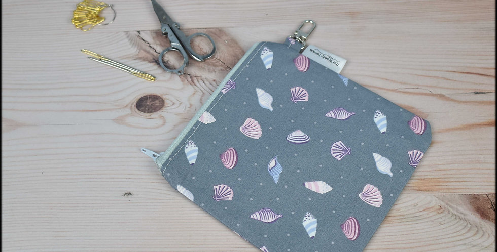 Notions pouch - shells